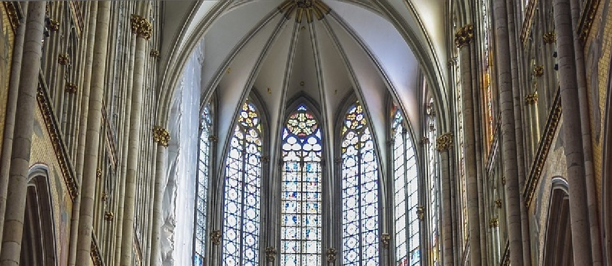 Tanácsterem üvegablakai